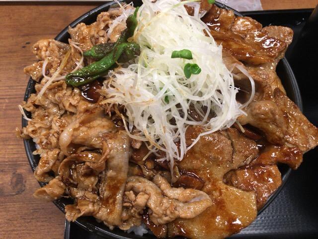 金曜の会社帰りに伝説のすた丼屋でまた食べてきました!