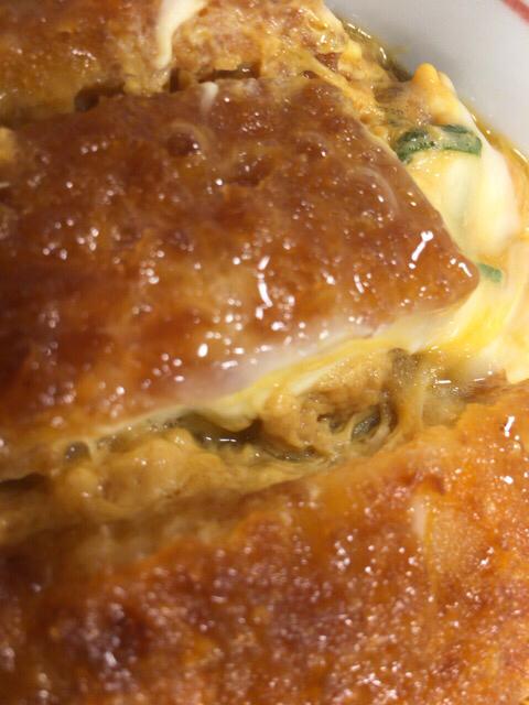 本日の朝食、ヘルシーになか卯のカツ丼を大盛りで